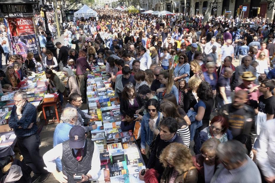 Travelhouse sant jordi festival barcelona for Piscinas sant jordi barcelona